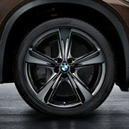 BMW Star Spoke 128 Liquid Black Complete Wheel and Tire Set