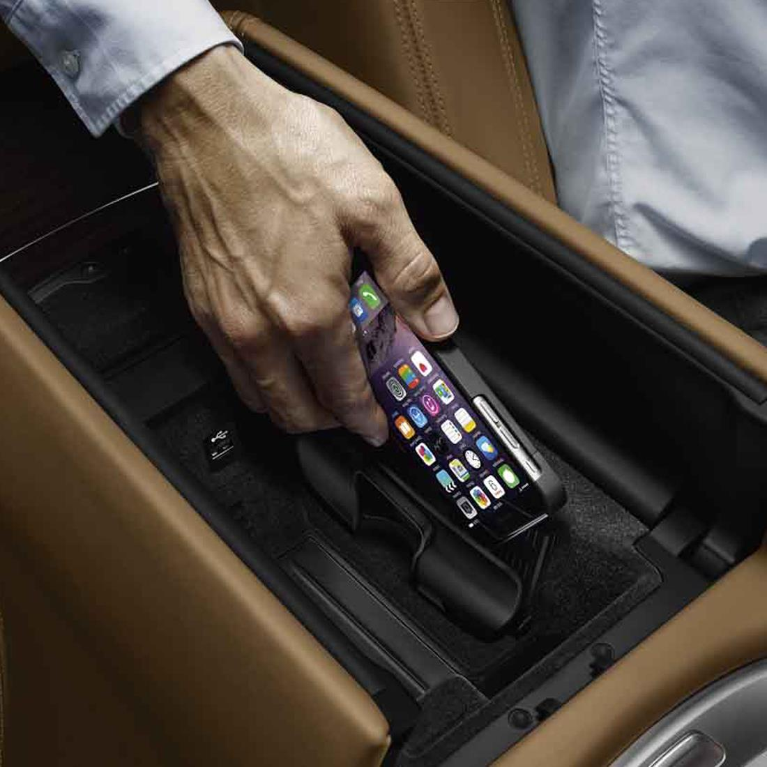 BMW Wireless Charging Case