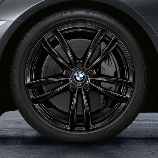 19 Inch Style 647M Black Complete Wheel Set