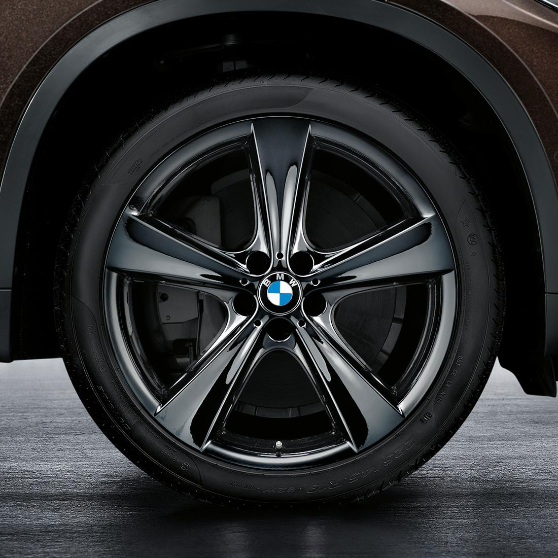 BMW Star Spoke 128 Liquid Black Complete Wheel and Tire Set